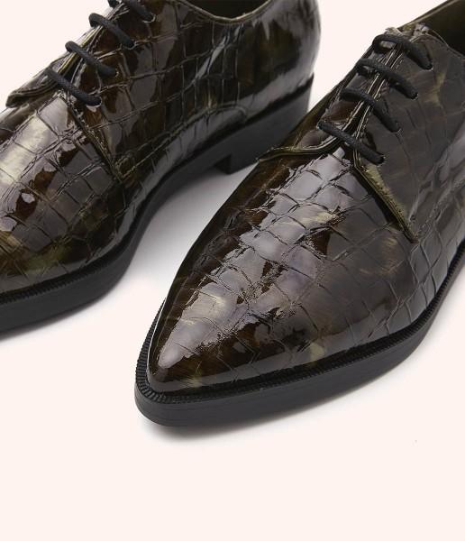 Zapato blucher charol cocodrilo con animal print