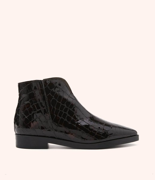 Classic textured patent leather ankle boot with elongated toe