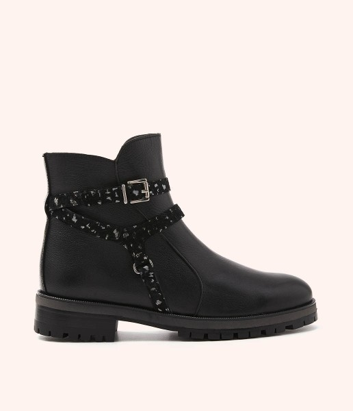 Leather biker ankle boots with stirrup decoration