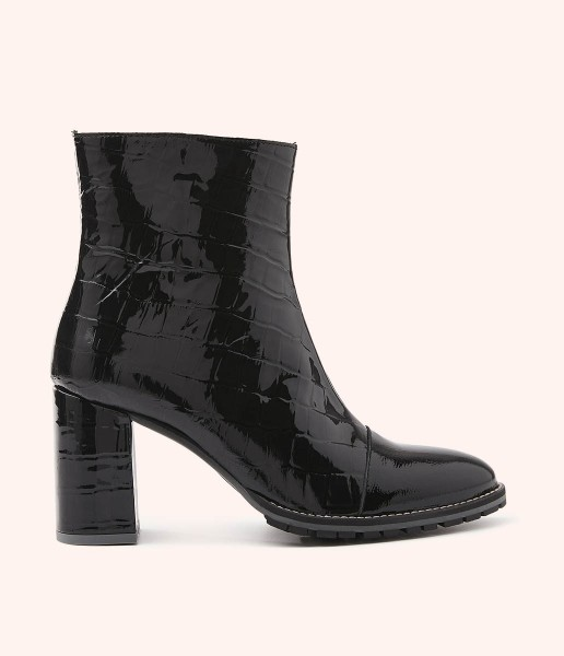 Engraved patent leather high heel ankle boots with toothed sole