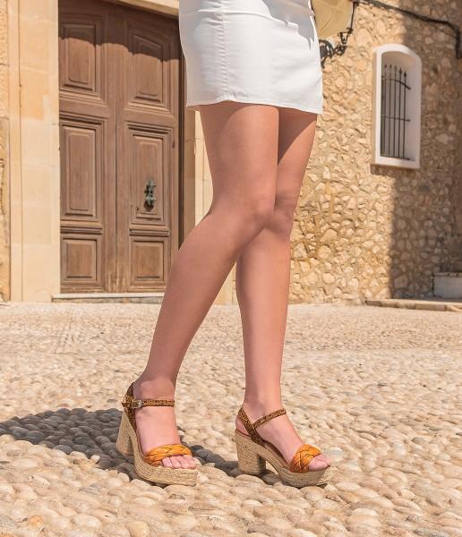 Sandalia de plataforma con acolchado - Ariadna
